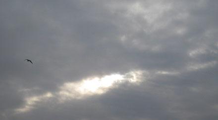Éclaircie et nappe de nuages gris