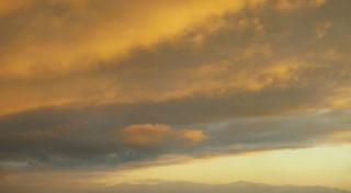 Ciel nuageux orange