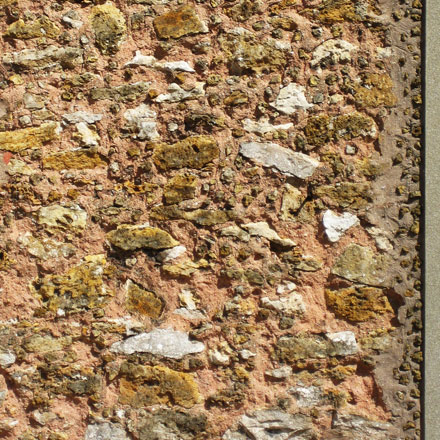 Angle de façade en meulière