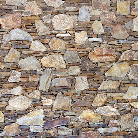 Assemblage de pierres plates