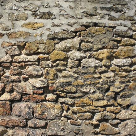 Mur de pierres usées